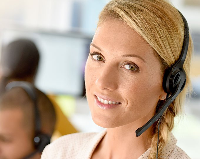 Customer service support employee